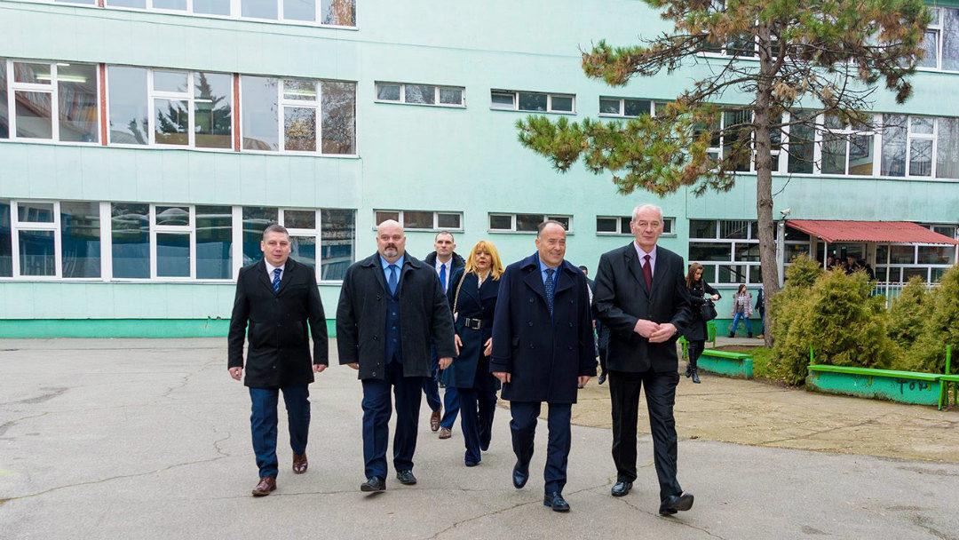 ПОСЕТА МИНИСТРА ШАРЧЕВИЋА – ШКОЛСТВО СРБИЈЕ И ПОТРЕБЕ ПРИВРЕДЕ
